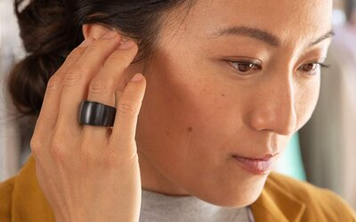 Amazon predstavil smart prsteň, slúchadlá a okuliare, budeš nimi môcť ovládať hlasového asistenta Alexu