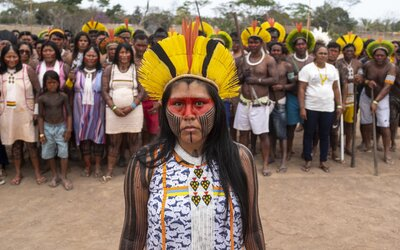 Amazonské kmene sa spojili, aby ochránili svoje územie. Svetu a brazílskej vláde posielajú jasný odkaz