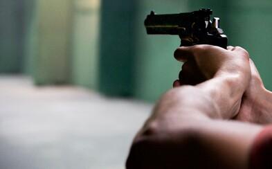 Američan zastrelil troch tínedžerov, ktorí mu chceli vykradnúť dom. Trestnému stíhaniu sa pravdepodobne vyhne