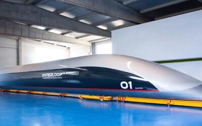 Američané představili první hyperloopovou kapsli, měla by jezdit až 1200 km/h. Kdy se jí dočkáme v běžném provozu?