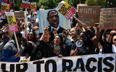 Američania poslali organizácii Black Lives Matter už milióny dolárov. Aj tej, ktorá s protestami nemá vôbec nič spoločné