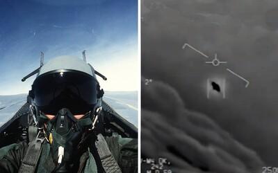 Američtí piloti stíhaček sledovali UFO. O incidentu z roku 2015 promluvili pro média