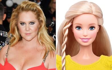 Amy Schumer si zahraje Barbie v hraném filmu o světoznámé panence