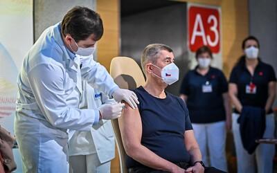 Andrej Babiš kvůli vyčerpání odložil očkování třetí dávkou vakcíny