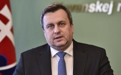 Andrej Danko zostáva predsedom SNS, delegáti ho zvolili aj po zlom volebnom výsledku, keď bol na odchode z politiky