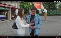 Android alebo Apple? Jeden z najväčších problémov súčasnosti sme sa vybrali vyriešiť do bratislavských ulíc