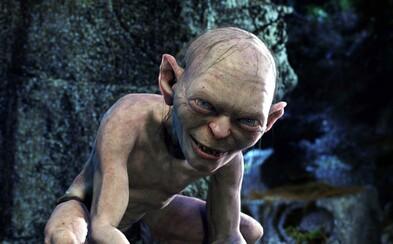 Andy Serkis se celé hodiny pohyboval po čtyřech, aby se vžil do kůže Gluma. Přípravu na roli bral velmi vážně