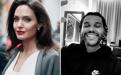 Angelina Jolie a The Weeknd boli zrejme opäť na rande. Videli ich na spoločnej večeri