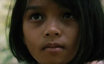 Angelina Jolie sa vracia na režisérsku stoličku. Historická dráma First They Killed My Father sa zameria na krviprelievanie v diktátorskej Kambodži