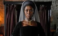 Annu Boleynovú v minisérii stvárni černoška. Na výber herečky sa zniesla kritika