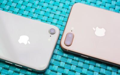 Apple čelí žalobě kvůli zpomalování iPhonů s nedostatečně výkonnými bateriemi