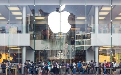 Apple sleduje všechny iPhony, které ukradli během rabovaček z jejich obchodů. Na displejích se objevuje varovná zpráva