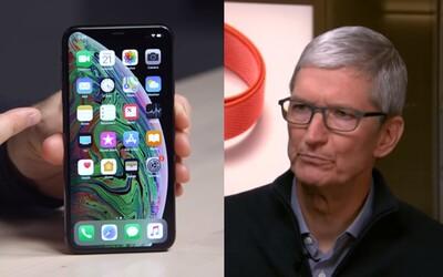 Apple vydělá o miliardy méně, než se čekalo. Stěžuje si, že si lidé opravují iPhony místo kupování nových