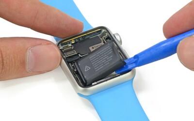Apple Watch se podrobily pitvě. Jak jsou na tom s náročností na opravu?