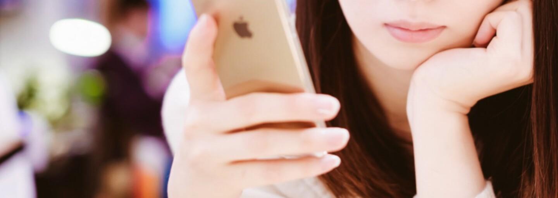 Apple zaplatil žene tučné odškodné za únik nahých fotiek z jej iPhonu. Zverejnil ich technik, ktorý mal mobil opraviť