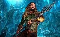 Aquaman sa bude väčšinu času odohrávať pod vodou a dočkáme sa aj flashbackov do jeho minulosti, kedy objavoval svoje schopnosti