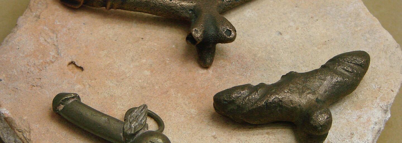 Archeológovia v Izraeli objavili príbytok plný amuletov v tvare penisu. Obydlie by malo pochádzať z 1. až 2. storočia a viazať sa na vtedajšiu rímsku kultúru