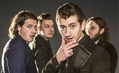 Arctic Monkeys vydávajú po piatich rokoch nový album, dočkáme sa ho už o mesiac!