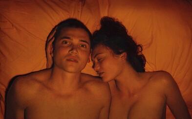 Argentínsky provokatér nás prevádza spomienkami na lásku v erotickom Love (Recenzia)
