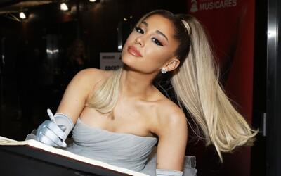 Ariana Grande rozdáva 5 miliónov na záchranu duševného zdravia. Ľuďom na celom svete platí za terapiu so psychológom