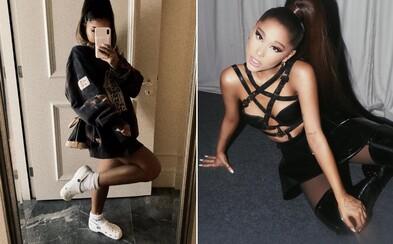 Ariana Grande si obula ponožky do Crocsov a internet sa zbláznil