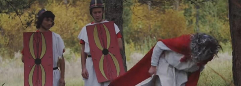Asterix a Obelix sú hviezdami bitky medzi Rimanmi a Galmi v novej krádeži triednej knihy zo Starej Ľubovne