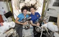 Astronautka 289. dňom vo vesmíre vytvorila rekord. Nachádza sa v ňom dlhšie, než akákoľvek žena pred ňou