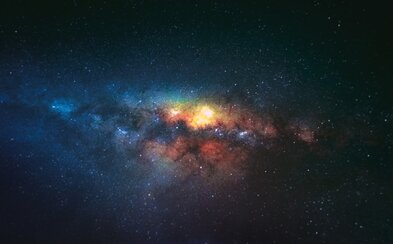 Astronómovia zaznamenali opakované signály z vesmíru. Rýchle rádiové záblesky pochádzajú z inej galaxie
