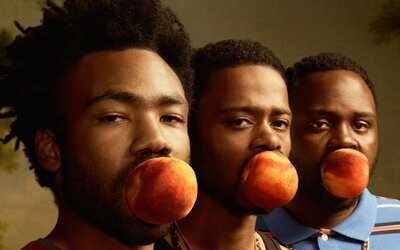Atlanta je jedným z najlepších seriálov posledných rokov, ktorý ťa kráľovsky pobaví čiernym humorom, emočne zdrví, ale aj vystraší