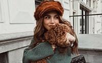 Atraktívna Holanďanka je hviezdou Instagramu. Módna blogerka podniká už aj vo včelárstve
