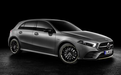 Atraktivnější design, famózní interiér a revoluční technologie. To je nový model A od Mercedesu