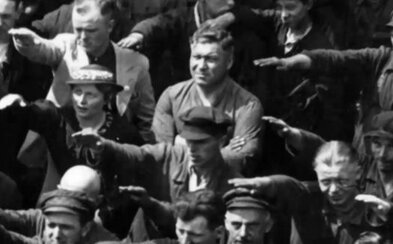 August Landmesser: Muž, ktorý odmietol hajlovať