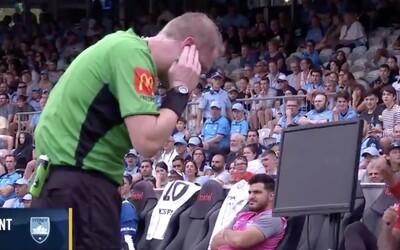 Australská fotbalová liga pustila do vysílání komunikaci rozhodčího při využívání systému VAR