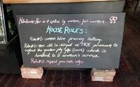 Australská kavárna zavedla mužskou daň. Pánové zaplatí o 18 % víc, aby si uvědomili rozdílné platové podmínky mezi pohlavími