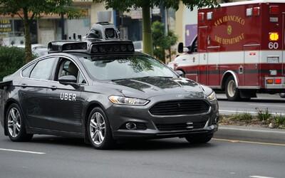 Autonomní vozidlo poprvé zabilo chodce. Patřilo Uberu, ten všechny testy zastavil