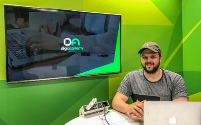 Autor slovenského vzdelávacieho portálu o IT: Digitálne zručnosti by mal mať každý, o pár rokov to bude nevyhnutné (Rozhovor)