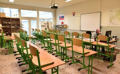 Až 95 % učiteľov sa na Slovensku cíti byť spoločnosťou nedocenených. Je to najhorší výsledok zo všetkých krajín OECD