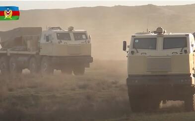 Azerbajdžan zrejme ostreľuje Arméncov aj raketometmi a húfnicami zo Slovenska. Nakupovať u nás mal aj napriek embargu