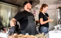 Būcheck: Dva vydáme za dvě hodiny tolik jídla, co restaurace s číšníky