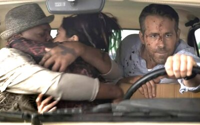Ryan Reynolds, Samuel L. Jackson a Salma Hayek v novém filmu vraždí lidi na každém kroku.