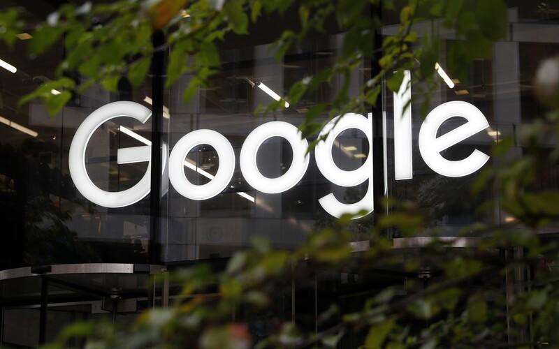 Digitální daň v Česku pro Google nebo Facebook nemusí zůstat bez odezvy. Američané plánují protiopatření.