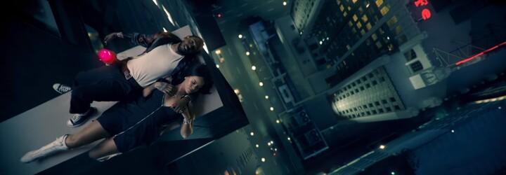 Kendrick Lamar brání krásnou Rihannu před útočícím mužem ve videu k LOYALTY.