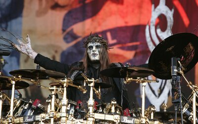 Zemřel zakládající člen kapely Slipknot Joey Jordison. Bylo mu 46 let.