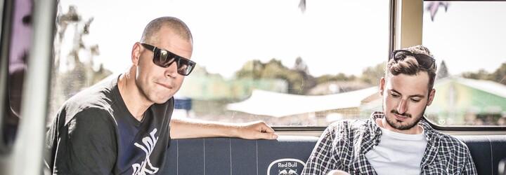 Mike Trafik s Vladimirem 518 jedou v Red Bull Tour Bus na jih Čech