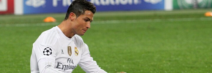 Ronaldo odstranil láhev ze záběru na tiskovce. Hodnota společnosti Coca-Cola spadla o 84 miliard korun