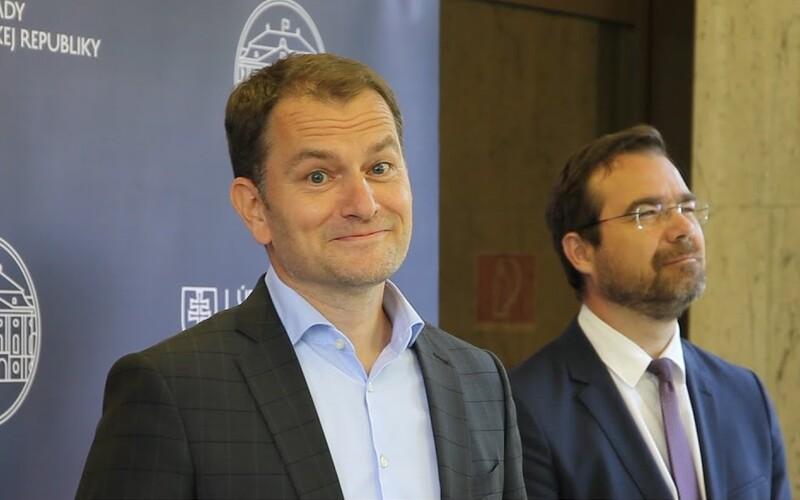Diplomka slovenského premiéra je plagiát, prý opisoval a vykradl dvě knihy.