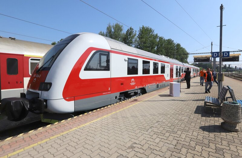 Vieš, kde na Slovensku leží najvyššie položená železnica?