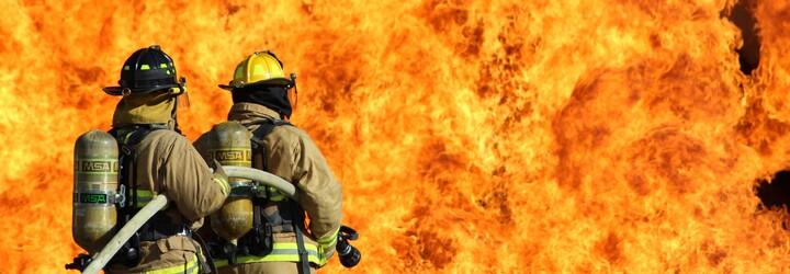Tohle jsou nejničivější požáry v Česku. Oheň zachvátil jak Národní divadlo, tak ústav, kde uhořelo 26 lidí