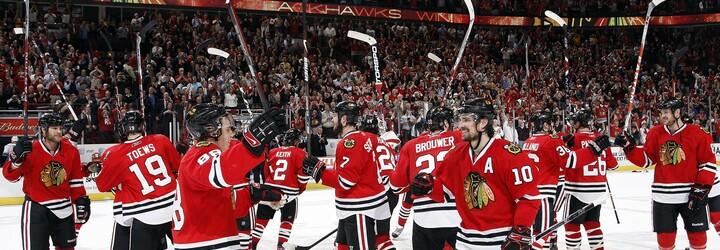 Chicago Blackhawks sa na čele s Mariánom Hossom teší zo zisku ďalšieho Stanley Cupu