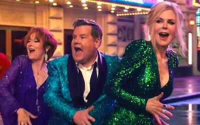 Meryl Streep a Nicole Kidman zachraňujú homosexuálne dievča, ktorému škola zakáže na ples zobrať svoju priateľku.